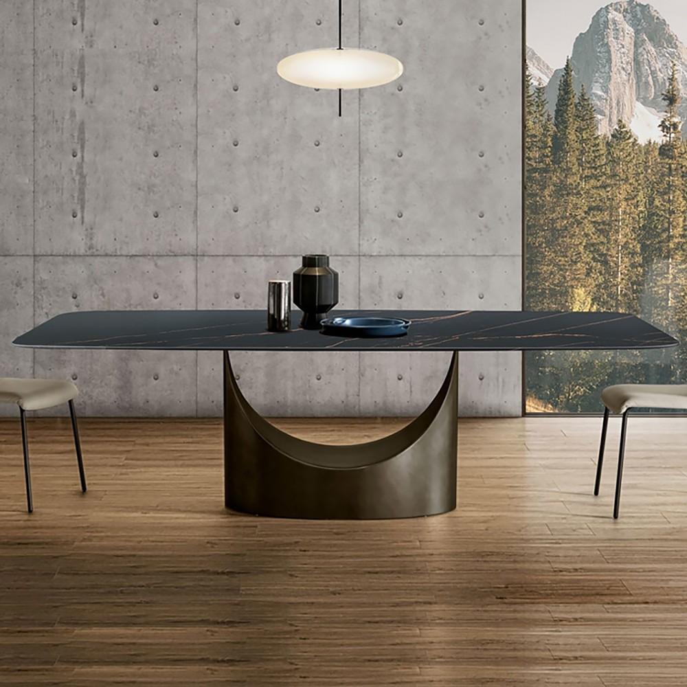 trpezarijski sto od mermera sa dve stolice